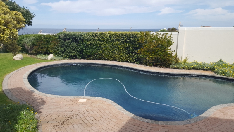 Salt water swimming pool at Whale Rock Estate